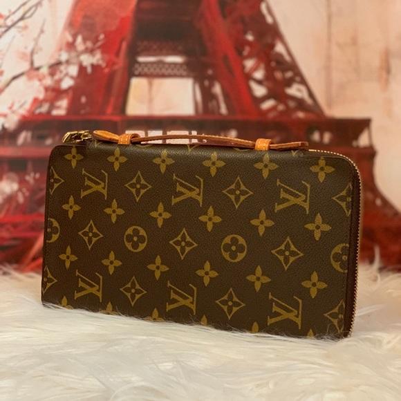 Louis Vuitton Handbags - Authentic Louis Vuitton Zippy Travel Organizer